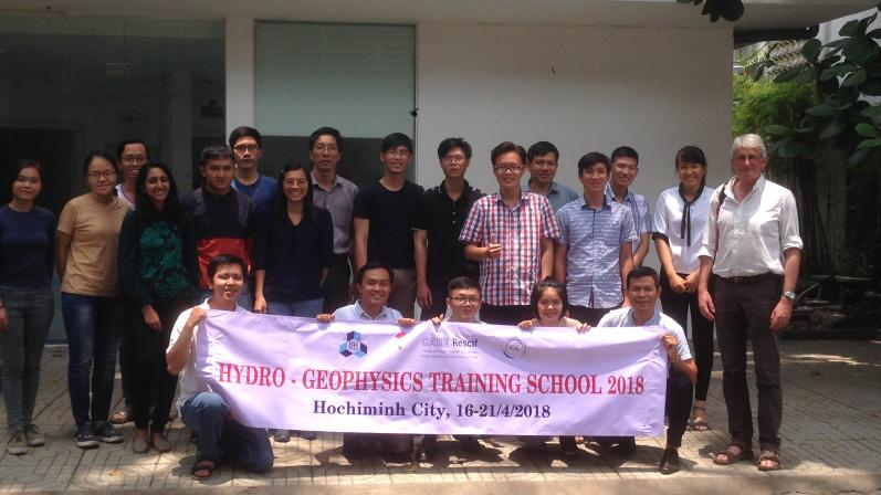 Student and teachers at the end of the 2018' first training school (Labex OSUG@2020)
